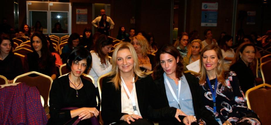 Από αριστερά η Επιστημονικά Υπεύθυνη του ΚΗ ΑΝΑΣΑ κ.Μαρία Κούντζα, η Γενική Γραμματέας του ΔΣ της ΑΝΑΣΑ κ.Αγγελική Χονδροματίδου, η Δρ.Εύα Σαλαμινίου Διδάκτωρ Ψυχολογίαςτου Παν/μίου του Λονδίνου και ιδρυτικό μέλος της ΑΝΑΣΑ και η κ.Ζέτα Δούκα, Πρόεδρος του ΔΣ της ΑΝΑΣΑ